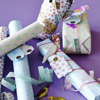 Geschenkpapier und Geschenktüten