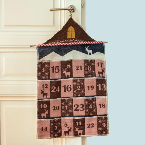 Hochwertiger Adventskalender zum selber Befüllen - Adventshaus zum Aufhängen mit Rentiermotiv mit 24 kleinen Täschen von David Fussenegger.