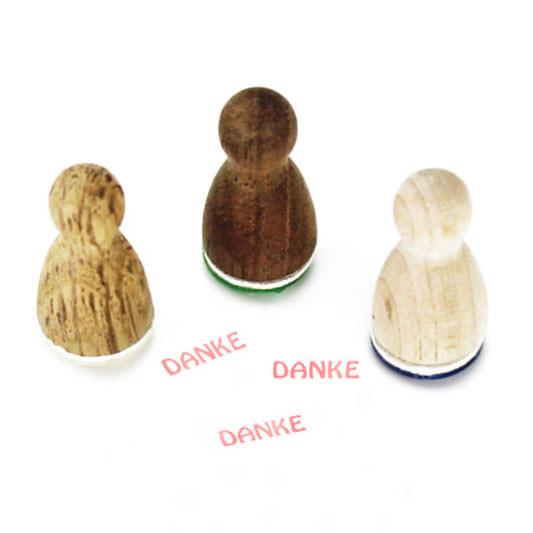 Mini Holzstempel DANKE aus der Designmanufaktur Berlin. Der Ministempel mit Dankeschön-Motiv aus der Serie Stemplino.