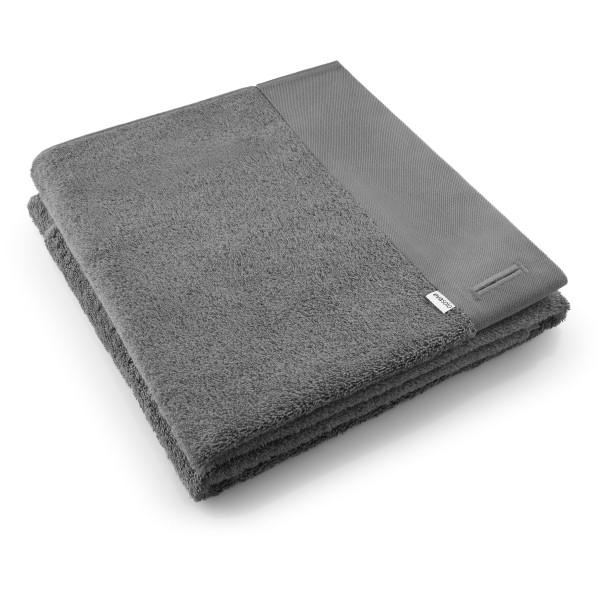 Badetuch von EVA SOLO DESIGN. Hochwertiges Handtuch aus 100% Baumwolle in dunkelgrau.