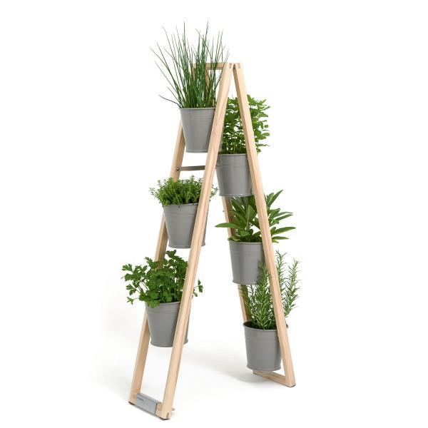 Design Blumenleiter, Pflanzleiter von FAIRWERK - Holzleiter mit Blumentöpfen - Modell grau freistehend
