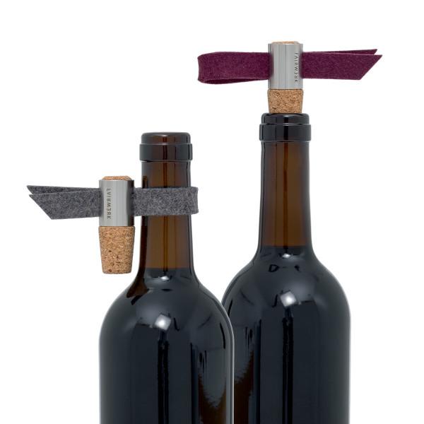 Weinstöpsel und Tropfenfänger Kork - Filz anthrazit und aubergine - von FAIRWERK Design (Attl)