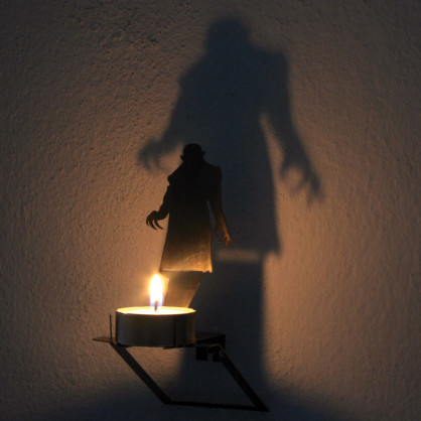 Teelichthalter Wandschatten VAMPIR N°13