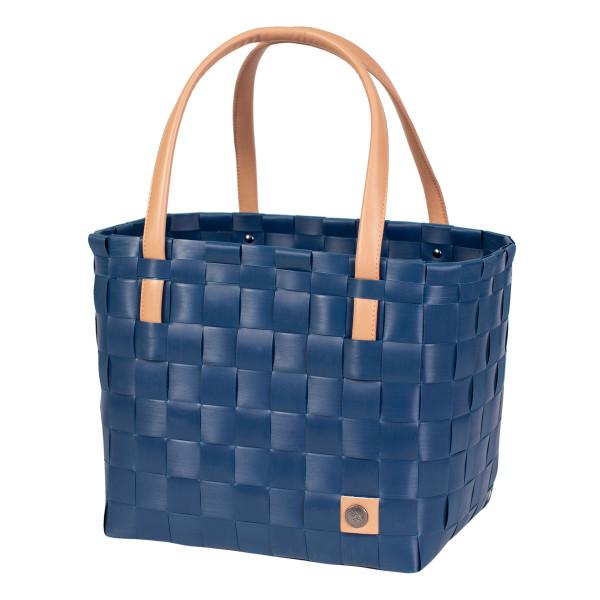 Dunkelblauer Shopper COLOR BLOCK S ocean blue von Handed By. Henkeltasche / Flechttasche - fair und sozial produziert!