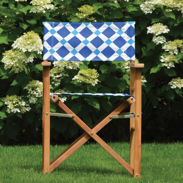 Gartenstuhl - Regiestuhl von Jan Kurtz mit amber Bezug in blau-weiß.