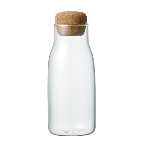 KINTO 300 ml Vorratsglas mit Korkdeckel BOTTLIT. Das Aufbewahrungsglas mit Korkverschluss ist ideal für Kräuter, Gewürze und andere Kleinigkeiten.