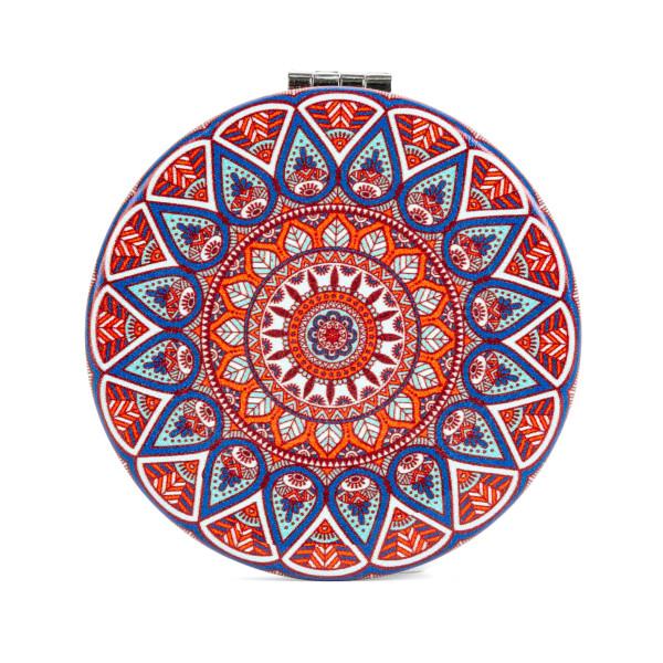 Klappbarer Taschenspiegel mit Mandala Motiv von Kikkerland Design - 1 Spiegelseite mit 2fach Vergrößerung.