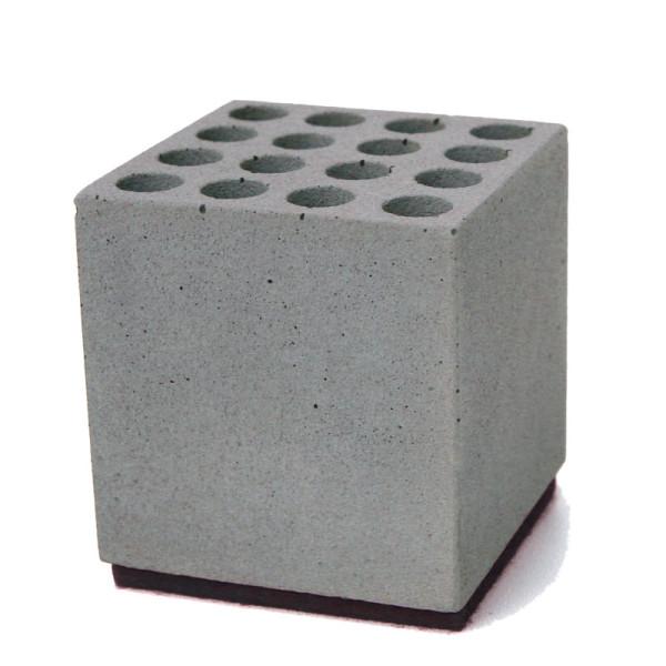 korn produkte stiftehalter block aus beton. Black Bedroom Furniture Sets. Home Design Ideas