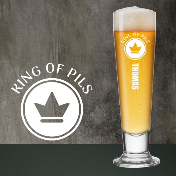 Graviertes Bierglas für Männer. Pilsglas / Pilsstange KING OF PILS. Hochwertiges LEONARDO Pilsglas mit Gravur.