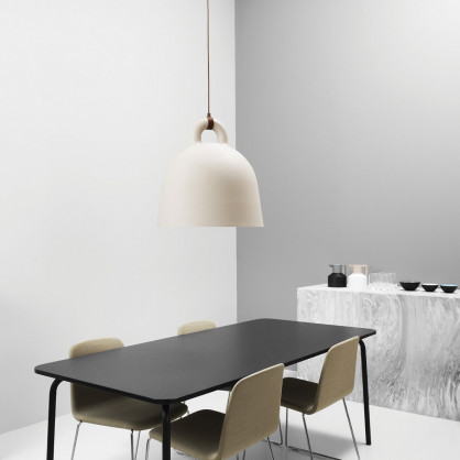 normann copenhagen lampe h ngeleuchte bell sand 35. Black Bedroom Furniture Sets. Home Design Ideas