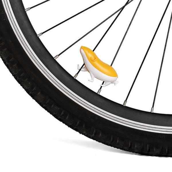SPEEDY, der originelle Fahrradspeichen Reflektor Hamster.  SPEEDY von Ototo Design. Hamster Katzenauge Fahrrad.