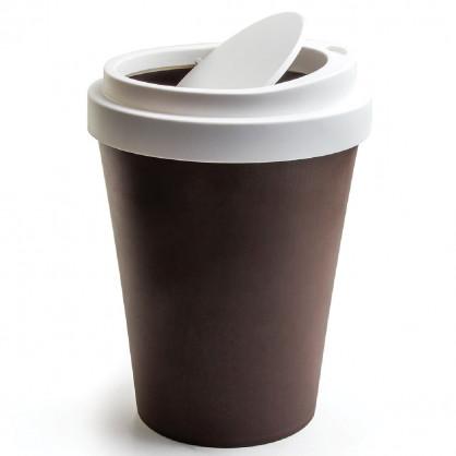 Schwingdeckel Mülleimer im Coffee to go Look von Qualy Design - Coffee Bin braun