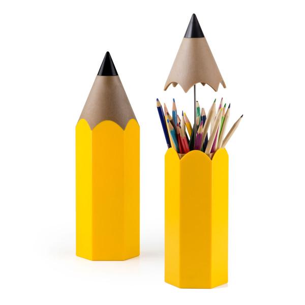 Stifteköcher DINSOR von Qualy Design. XXL Bleistift Stifteköcher in gelb für Stifte und Scheren.