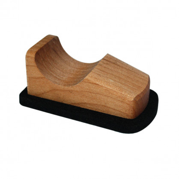 Scooter von Raumgestalt - kleiner Bildschirmreiniger aus Holz mit Filzboden - Modell Erle.