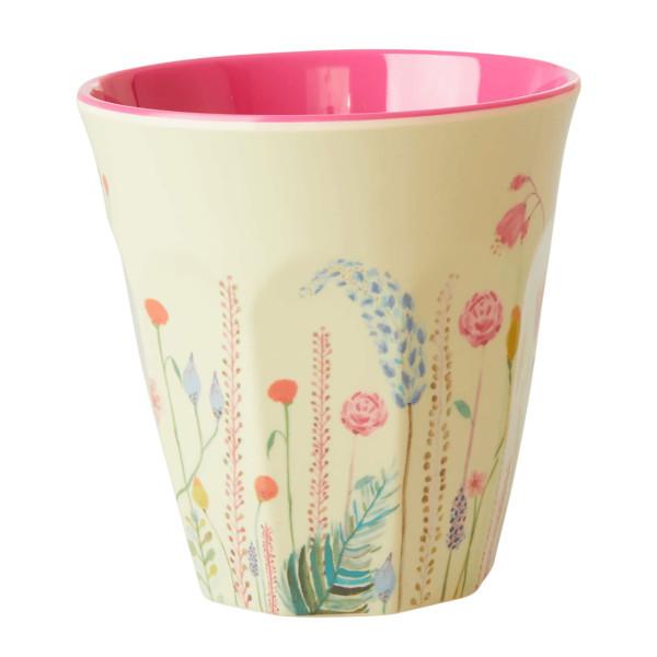 Trinkbecher aus Melamin mit Blumenwiese Motiv von Rice Denmark. Medium Becher Summer Flower Print.