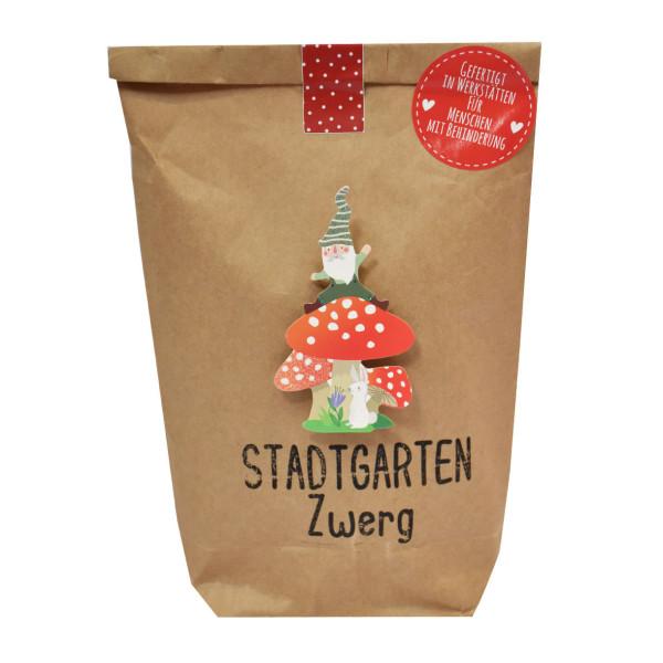 Stadtgarten Zwerg Geschenktüte von Wunderle - braune Papiertüte, befüllt mit netten Dingen für den kleinen Stadtgarten