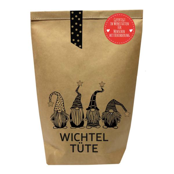 Wichtelgeschenk: braune Geschenktüte mit Wichtelmännchen und befüllt mit Kleinigkeiten. Wundertüte - Wichtel Tüte von Wunderle.