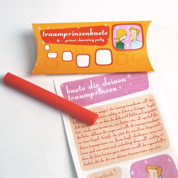 liebeskummerpillen Traumprinzenknete ist eine rote Knetstange zum Formen des eigenen Traumprinzen.