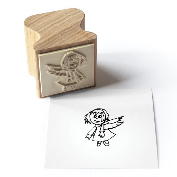 Holzstempel Happi Stamps mit Motiv Engel Luzie aus Eschenholz von side by side.