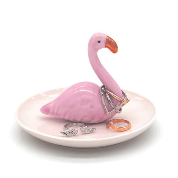Ringhalter / Schmuckteller Flamingo von winkee. Porzellanteller für Ringe und Schmuck mit dekorativen Flamingo.