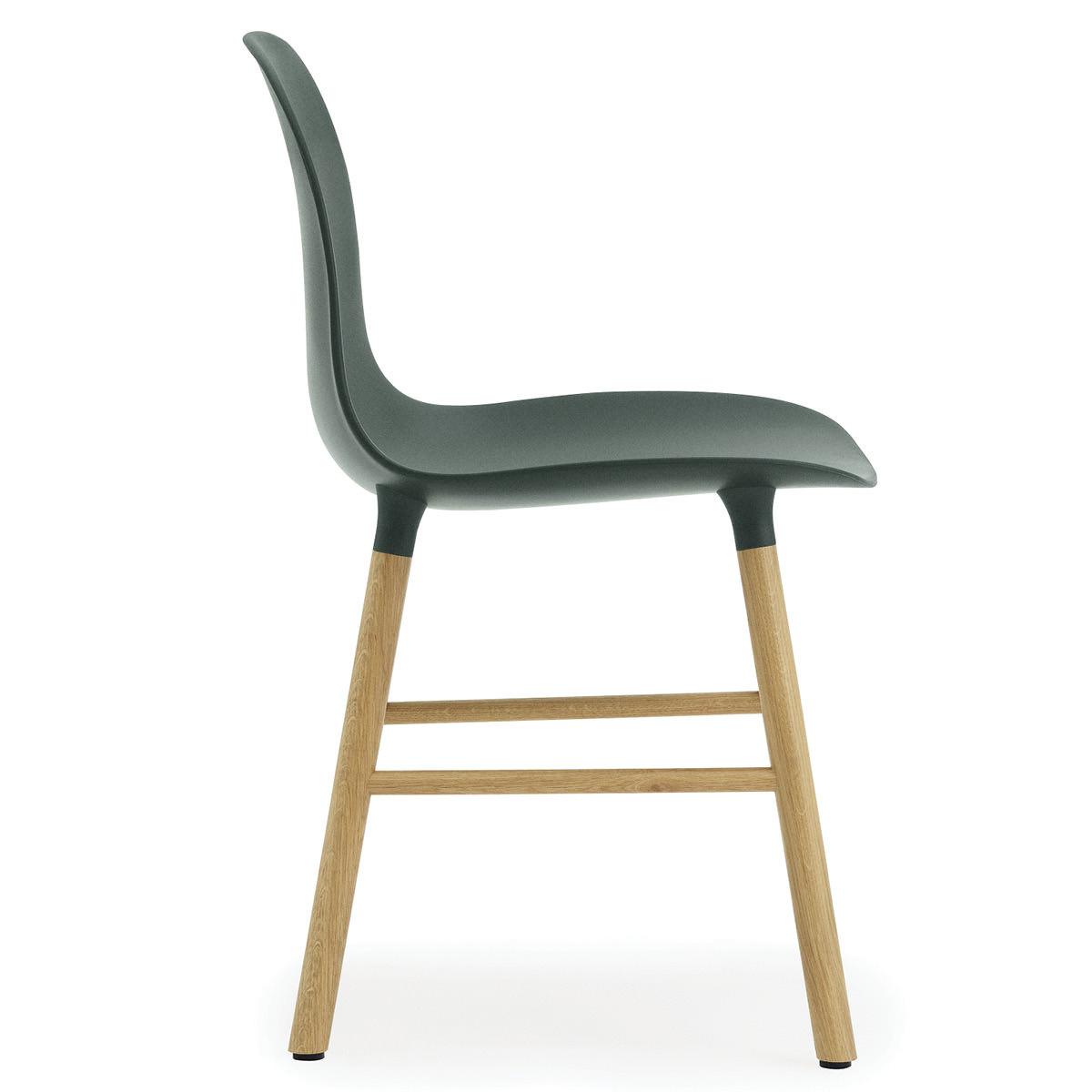 Normann Copenhagen Stuhl Form Chair Eichegrün