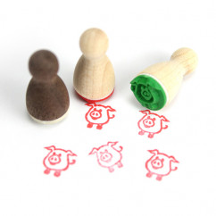 Mini Holzstempel Siggi Schwein - Motivstempel Glücksbringer Schweinchen - Designmanufaktur Berlin - Motivstempel aus Holz