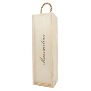 Flaschenkiste / Geschenkbox aus Holz mit Namensgravur. Flaschenverpackung mit persönlichem Gravurtext. Holzkiste mit Schiebedeckel graviert.