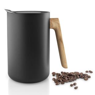 Schwarze Isolierkanne Nordic Kitchen mit Griff aus Eichenholz von Eva Solo