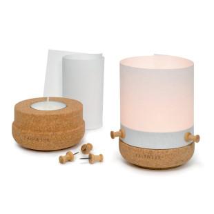 Pinnlicht - Kork Windlicht mit Papierbanderole und Holzpins - von FAIRWERK Design - zerlegt und aufgebaut