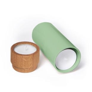 FAIRWERK Teelichthalter aus Eiche mit blassgrüner Metallbasis für Ersatz-Teelichter. Design Teelichthalter AKKU.