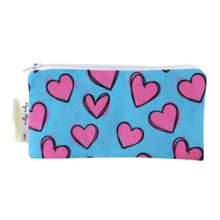 Mini Snackbag von itzy ritzy - wiederverwendbare Snack- und Lunchtüte mit Herzen Motiv pink-blau. Snacktasche mit Reißverschluss.