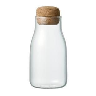 KINTO 150 ml Vorratsglas mit Korkdeckel BOTTLIT. Das Aufbewahrungsglas mit Korkverschluss ist ideal für Kräuter, Gewürze und andere Kleinigkeiten.