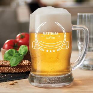 Bierkrug mit individueller Namensgravur - hochwertiges Bierseidel mit Henkel von Leonardo Design mit Personalisierung Name + Geburtsjahr