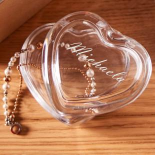 Kleine Schmuckdose Herz aus Glas mit persönlicher Gravur von LEONARDO Design.