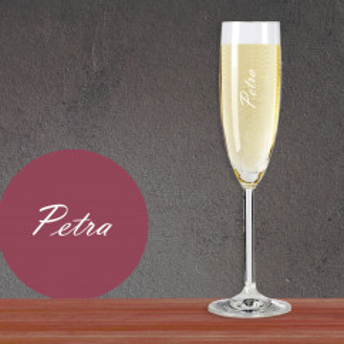 Sektglas mit Namensgravur. Hochwertiges Sektglas DAILY von Leonardo Design. Graviertes Sektglas mit Namen selber gestalten.