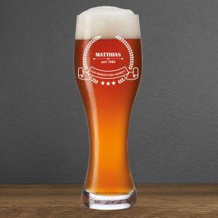 Weizenbierglas mit Gravur - bis zur Perfektion gereift - von Leonardo Design. Weizenbierglas mit persönlicher Gravur (Name + Geburtsjahr)