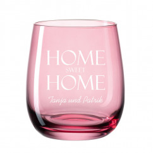 Windlicht mit Gravur transparent rot. Bauchiges, graviertes Glas für Teelicht farbig von Leonardo Design. Personalisiertes Windlicht.