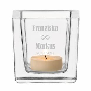 Windlicht Hochzeit unendlich - gravierter Teelichthalter aus Glas mit Paar Namensgravur - graviertes Windlicht. Hochzeitsgeschenk personalisiert.