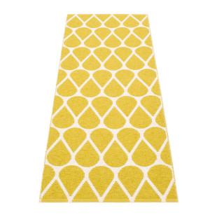 Teppichläufer OTIS 140 x 70 cm mustard gelb von Pappelina. Kunststoff Wendeteppich mit Tropfenform-Motiv. Teppich für draussen & drinnen.