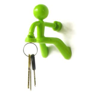 Schlüsselhalter KEY PETE in grün von Peleg Design. Der Schlüsselhalter mit Magnet hält bis zu 20 Schlüssel und hält an jeder metallischen Oberfläche.