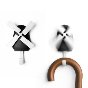 Garderobenhaken Windmühle schwarz Qualy Design. Design Wandhaken Windmühle - Wall Hook Windmill.