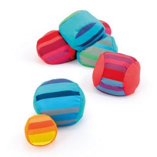 SoftBoccia - Boccia Spiel aus weichen Bällen von Remember Design. Buntes Ball Spielset für drinnen und draussen.