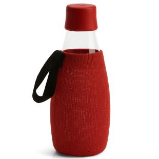 Rote Schutzhülle / Sleeve für die Glas Trinkflasche 0,5 Liter von Retap Design.