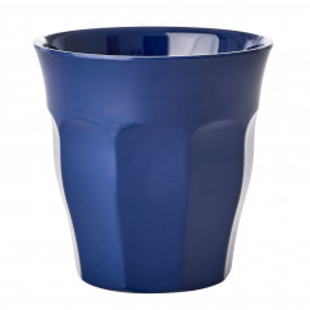 Melaminbecher medium RICE - Dunkelblauer Trinkbecher aus Melamin - Kunststoffbecher dunkelblau - Becher MELCU - BPA-frei, robust, stapelbar, spülmaschinengeeignet - RICE Denmark