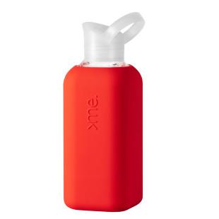 Squireme. Design Trinkflasche aus Glas mit Silikon-Bezug in rot