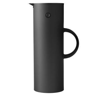 Schwarze Isolierkanne mit soft touch Oberfläche von Stelton Design.