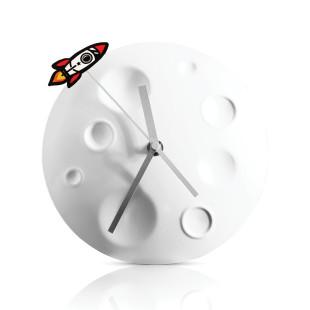 Wanduhr Mond mit Raketen Sekundenzeiger - Rocket Moon Clock von SUCK UK.
