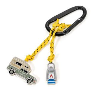 Schlüsselanhänger CAMPING by TROIKA DESIGN. Schlüsselhalter mit 2 Charms: Öllampe und Pick-Up Camper.