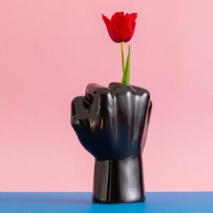 FCKVASE vom Designlabel Werkwaardig - Originelle Hand-Vase mit Blume als Stinkefinger!