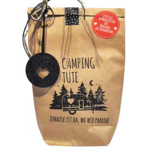 Wundertüte Camping Tüte von Wunderle. Braune Papiertüte befüllt mit netten Kleinigkeiten.